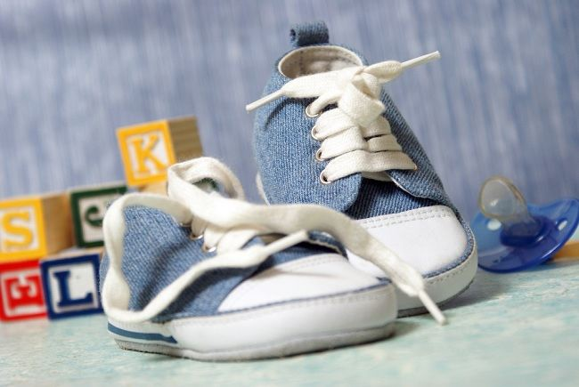 Jangan Sampai Keliru Memilih Sepatu Anak - Alodokter 1982615253
