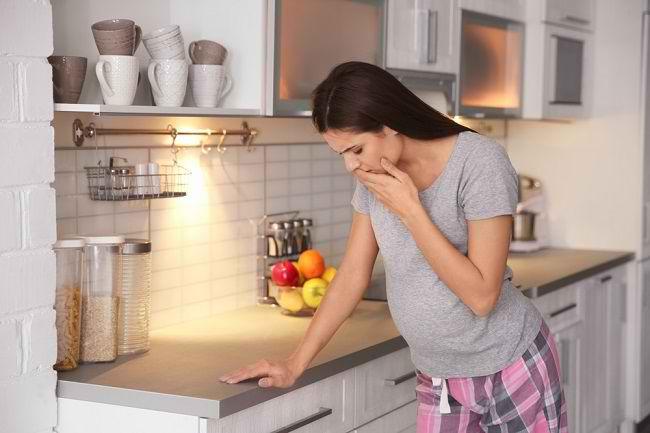 Penyebab Mulut Pahit Saat Hamil dan Cara Mengatasinya