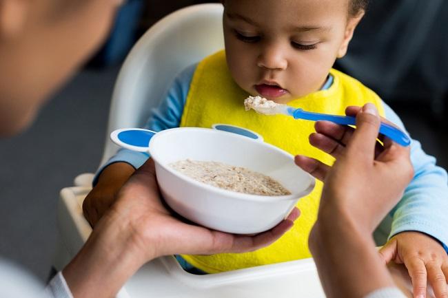 Bubur Bayi Instan Atau Bubur Bayi Buatan Sendiri Mana Yang Lebih Baik Alodokter